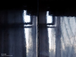 03.07.2011_Reflective-surface.jpg