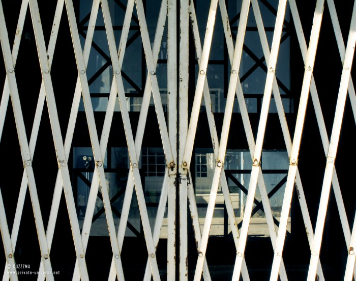 31.07.2011_Barred-doors.jpg