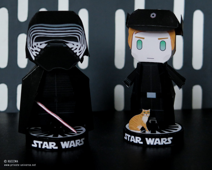 25.04.2021_Paperized-Kylo-Ren-and-Hux-papertoys_01.jpg
